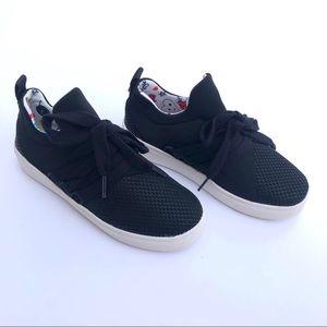 Steve Madden, Girls Black Sneakers, Size 1
